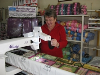 Handi Quilter HQ18 - Margaret at the controls